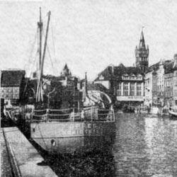 Река Прегель с Кёнигсбергским замком на заднем плане
